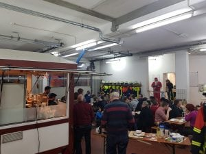 Jahresabschluss mit UVV, Nikolaus und Flammkuchen-Wagen